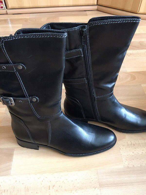 Mein Neue Stiefel von Tamaris in schwarz  von Tamaris. Größe 39 für 59,00 €. Schau es dir an: http://www.kleiderkreisel.de/damenschuhe/stiefel/157532570-neue-stiefel-von-tamaris-in-schwarz.