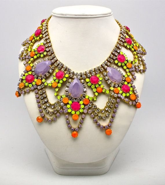gimmee: Ethnic Fashion, Jewelry Necklaces, Statement Necklaces, Dolori Petunias, Jewelry Trends, Statement Jewelry, Bright Colors, Neon Yellow, Chunky Necklaces