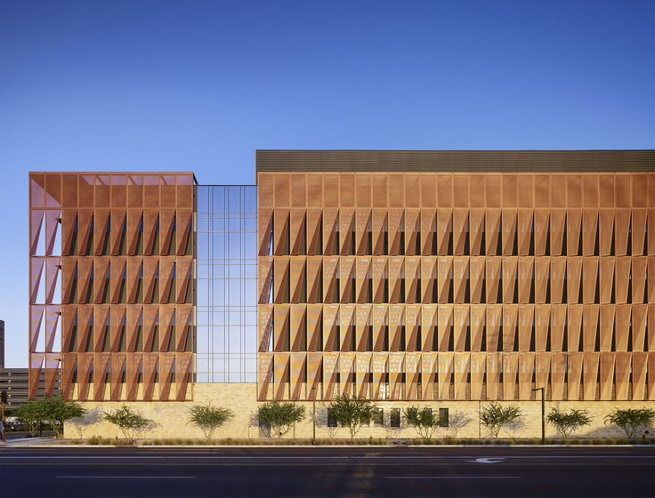 Image 1 of 20 from gallery of University of Arizona Cancer Center / ZGF Architects. Photograph by Nick Merrick © Hedrich Blessing Photographers