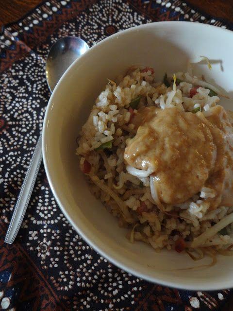 Duizenden1dag: Gebakken rijst met Thaise pindasaus