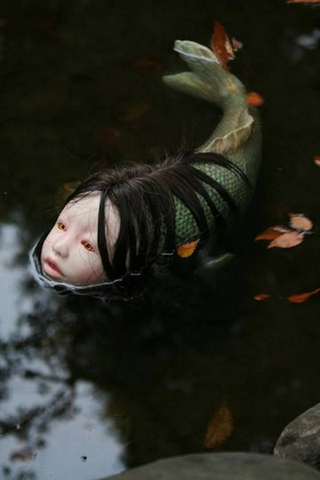 Looks like this popped out of an Asian horror movie ...