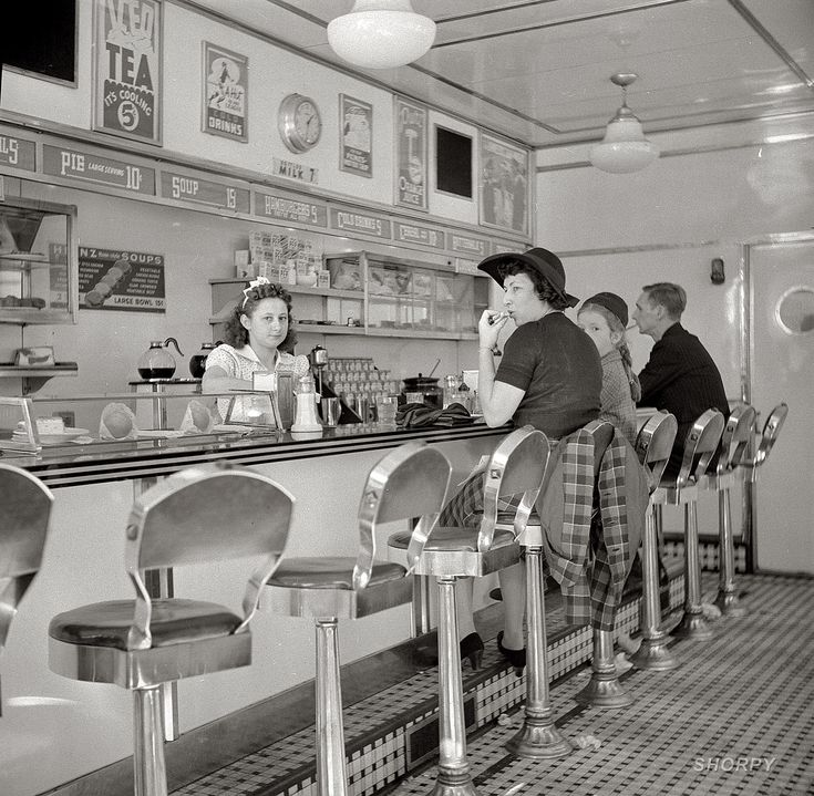"""Shorpy Historical Photo Archive October 1941. """"White Tower hamburger stand, the popular place in Amsterdam, New York.""""  Medium-format nitrate negative by John Collier."""