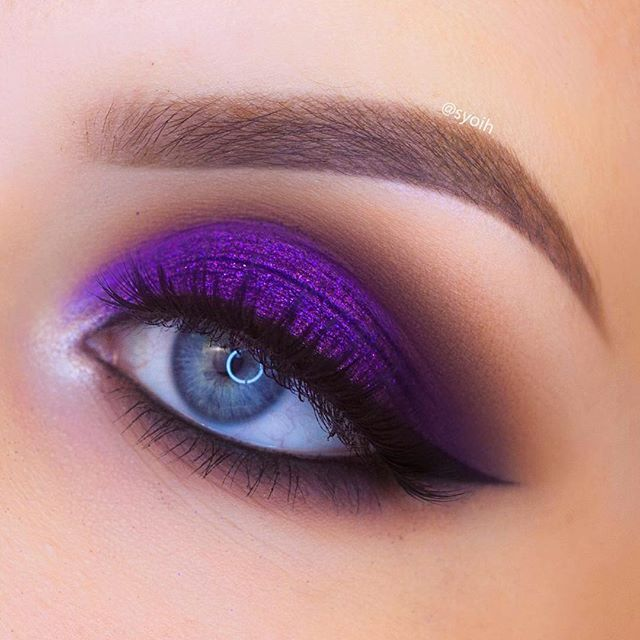 how to put on purple eyeshadow