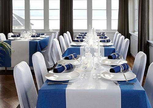 Konfirmation borddækning, blåt. (Foto: Duni)
