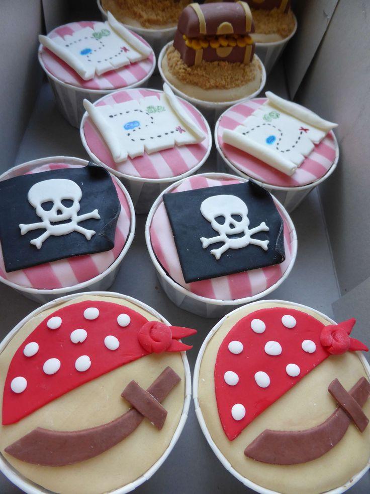 Cupcakes para tema de Jake e os Piratas da Terra do Nunca ...