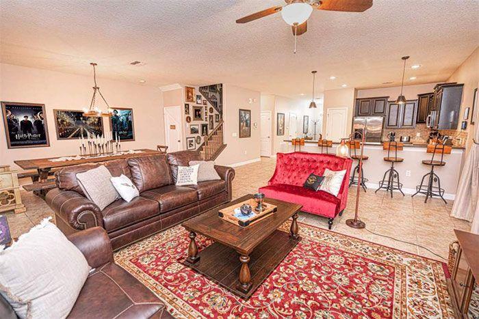 Wizards Way Une Maison Harry Potter Sur Airbnb 2tout2rien In 2021 Home Home Decor Fine Living