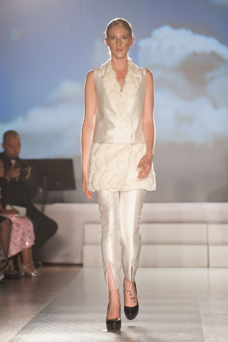 #CPFW2014 Philippine Fashion's Biggest Night showcases the collection of Roland Alzate for the FUTURE PERFECT showcase @ Royal York | Photo by Che Rosales