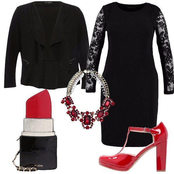 Outfit curvy e sexy formato da un abito nero con maniche in pizzo, una giacchetta nera aperta con cerniere sulle tasche laterali, un paio di décolleté laccate di rosso, una collana piena di luccicanti pietre rosse e una borsa a forma di rossetto rosso, spiritosa e sensuale.