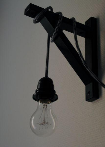 Lampe (x2?) fürs Gäste-WC