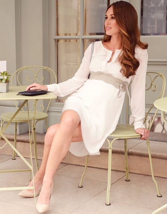 Effortlessly chic, our White Woven Maternity Shirt Dress offers a masterclass in everyday elegance. Ultra-light & semi-sheer, this dress drapes beautifully over your curves, with an integrated slip in soft stretch viscose to complete the look. A self-tie belt allows you to define your empire waist, highlighting your slimmest point, while the simple button down front offers easy access for breastfeeding after baby is born. Slip it on with sandals for an easy Sunday morning stroll or glam it…