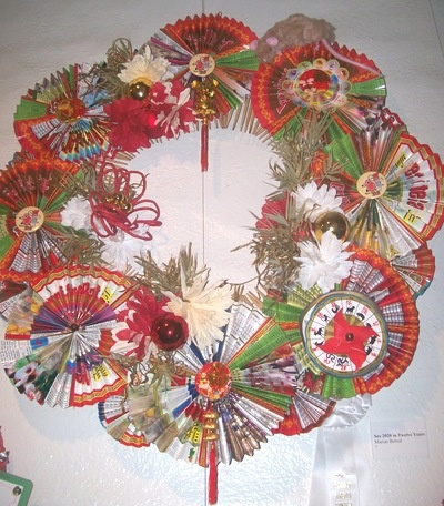 Asian wreath with paper fans. oh my i really want to make one of these.