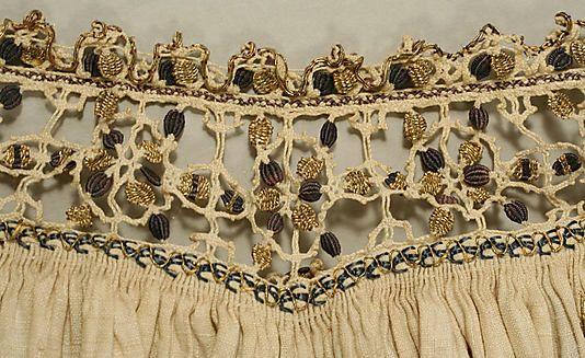 Detalle  Blusa  Fecha: finales del siglo 16 Cultura: Italiano Medio: seda, lino, hilo metálico