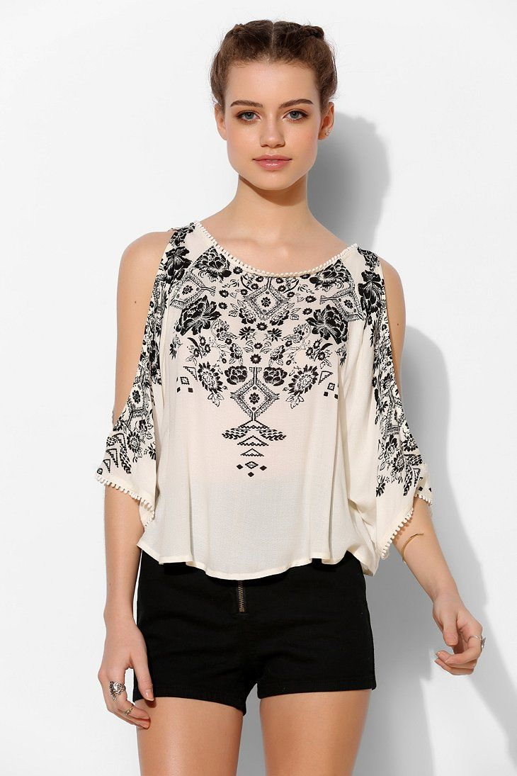 Ecote Mila Cold Shoulder Top - Urban Outfitters