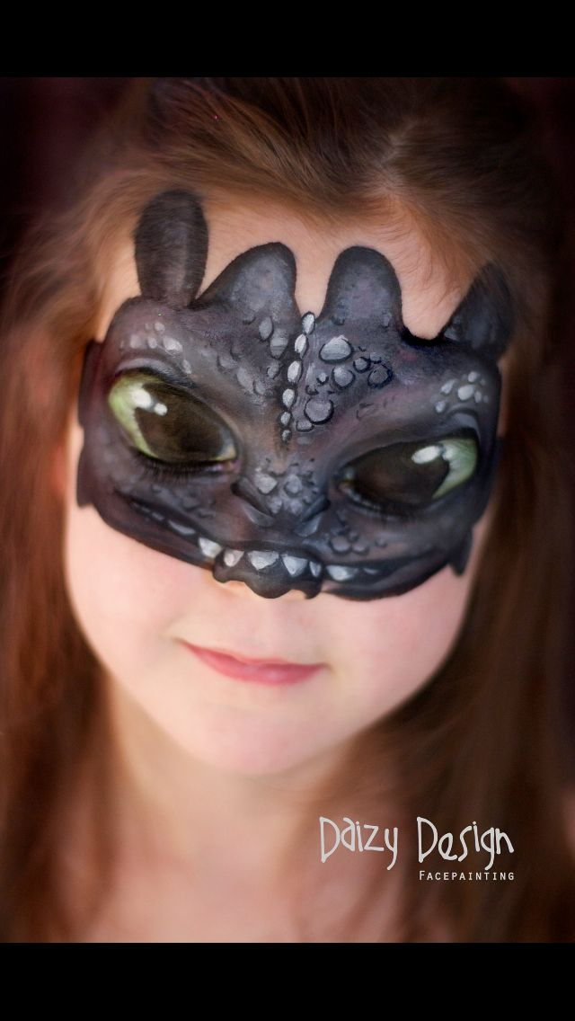 Toothless face paint