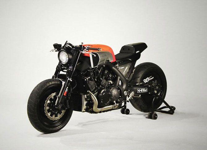 Yamaha VMAX by JVB Moto
