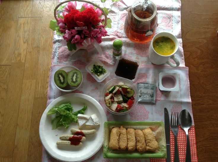 Sushi ( Inari ), delicious sasages, tofu ( white ), vegetables salad with rosemary, fruit with a lot of vitamin C and other, and hooooooooooooooooooooooooooooooooot pumpkin soup and tea with honey huge hooooooooooooooooooooooooooooooooot love on 14th of July, 2014!