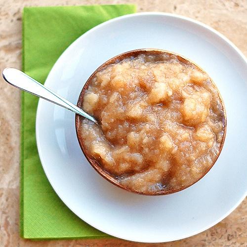 Grandma's Classic Homemade Applesauce by pinchofyum #Applesauce #Healthy