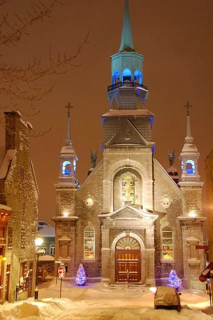 ...Christmas in church, Old Montreal, Quebec, Canada...
