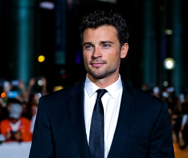 Is there a doctor in the house? See Tom Welling as Dr. Ryan in #TheChoice!