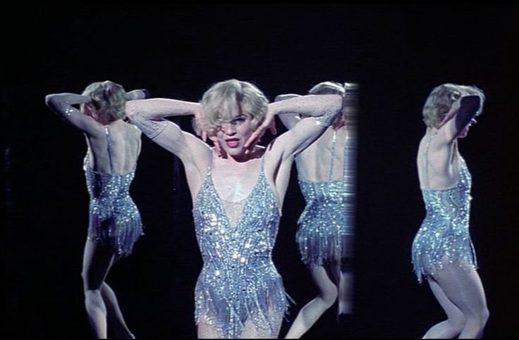 Renée Zellweger as Roxie Hart in CHICAGO, 2003.... I loved her as Roxie Hart!!!!