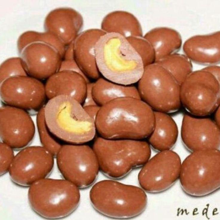 Jual coklat delfi kiloan Coklat Delfi Chasew Mede 082122590002