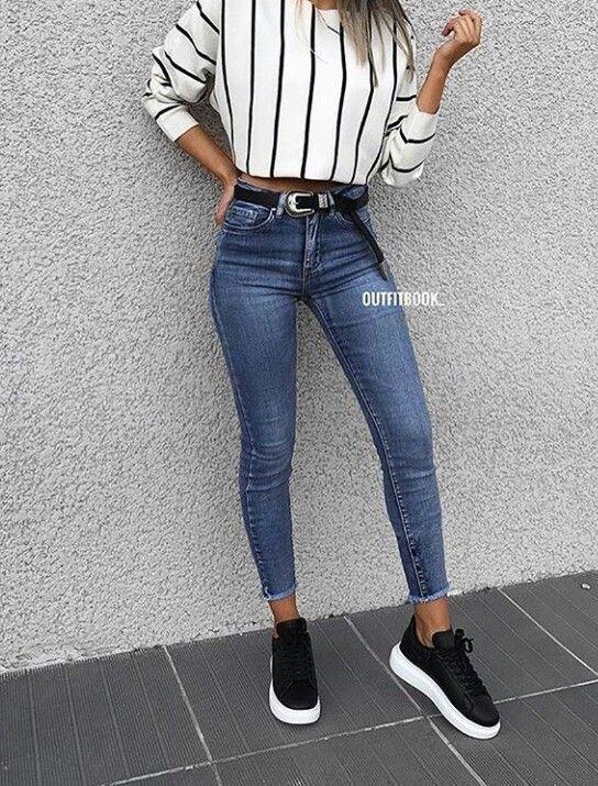 süßes Sommeroutfit für den Alltag, floral, Hemd, blau, Cutoff-Shorts, hübsch
