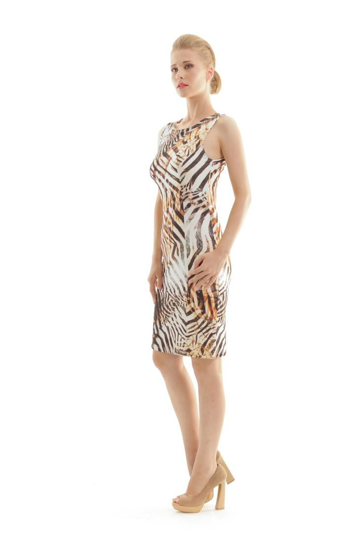 Highlight your curves with the perfect touch of feminity! Shop the Stretch animal print dress in the link below