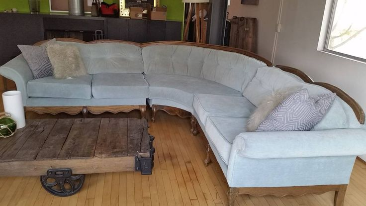 Craigslist Victorian Sectional Sofa. Custom Uphosltered (comes with roll of fabric for future repairs!) **WANT!!! $500