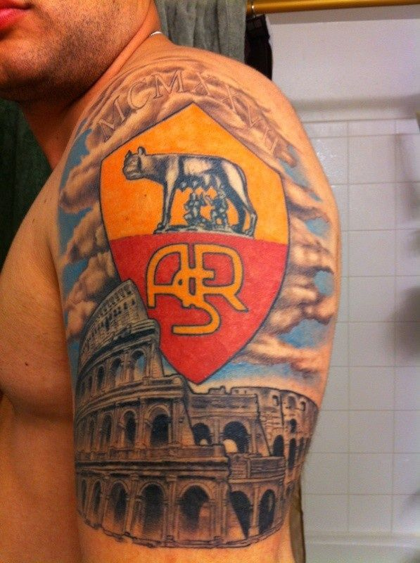 As Roma Nel Cuore AS Roma tattoo left arm . Forza Roma!!  (tag luis rumbaut) Daje Roma Daje!