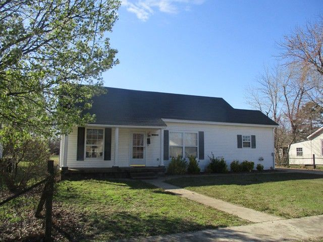 Cute home - ready for New Owners........ Vinyl siding, shingle roof, three bedrooms, two bath, living room - kitchen - dining area combo, utility room, two car carport attached. Why rent, when you can buy at this price??? Call to view this home at 573-276-4503 in Malden, MO