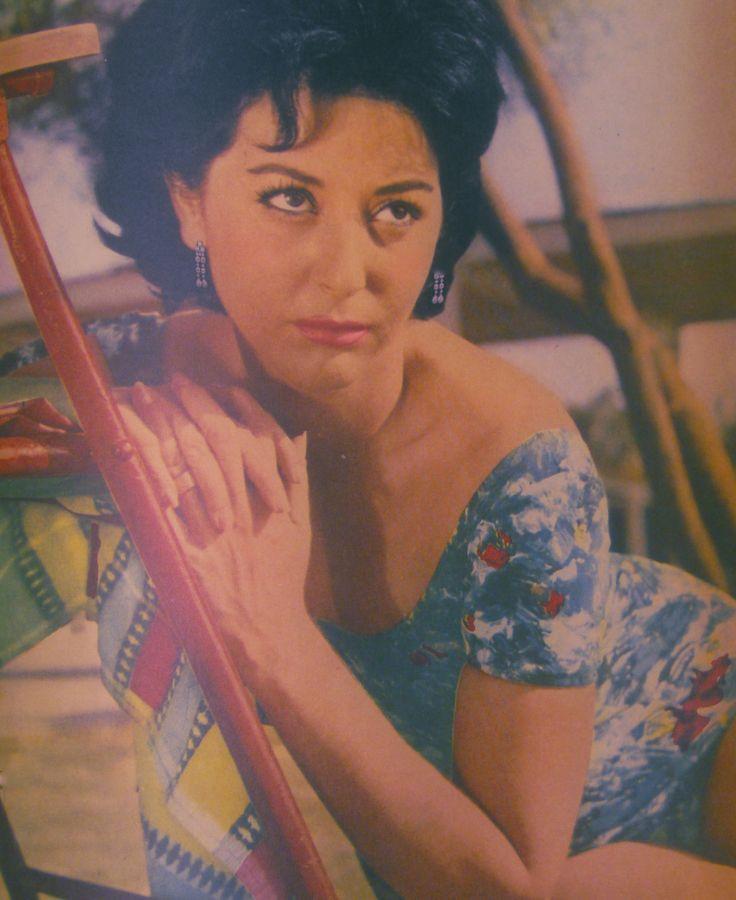 Γκέλυ Μαυροπούλου/Gelly Mauropoulou https://www.facebook.com/Σπουδαίες-Ελληνίδες-Γυναίκες-του-Θεάτρου-Κινηματογράφου-426962624160462/