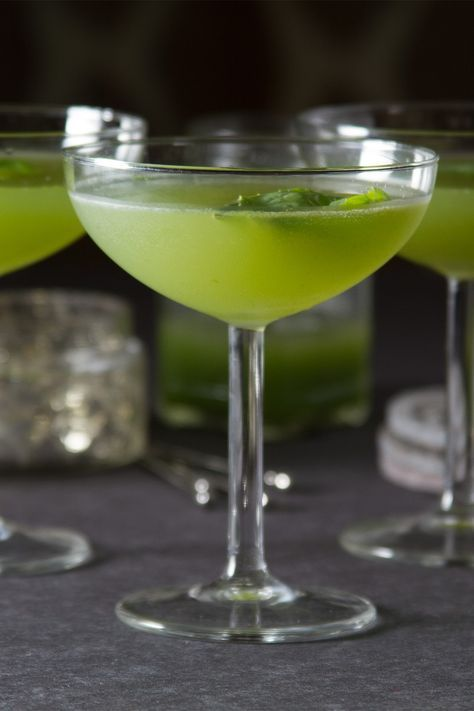 Cucumber Basil Gimlet Cocktail   http://saltandwind.com
