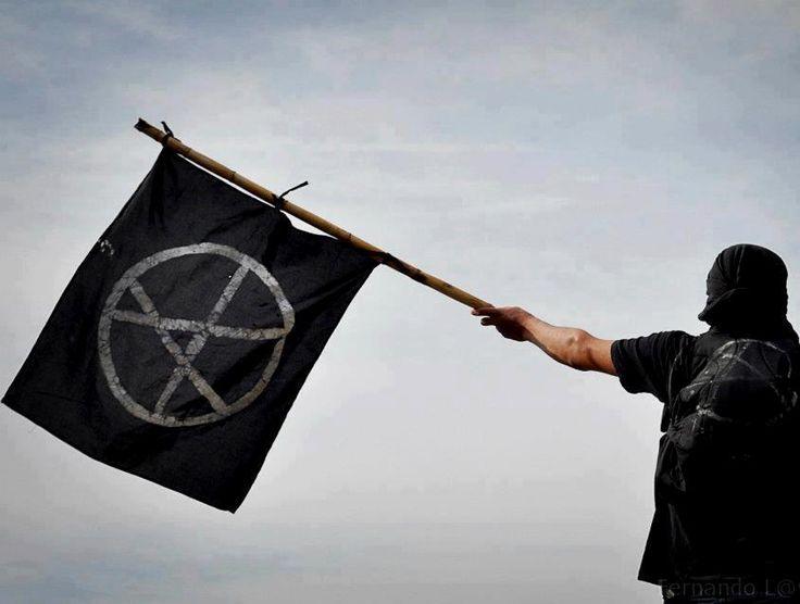 A pauta abordará as origens do anarquismo, a atuação de anarquistas no Brasil e no mundo, e a influência de ícones anarquistas nas recentes manifestações no Brasil