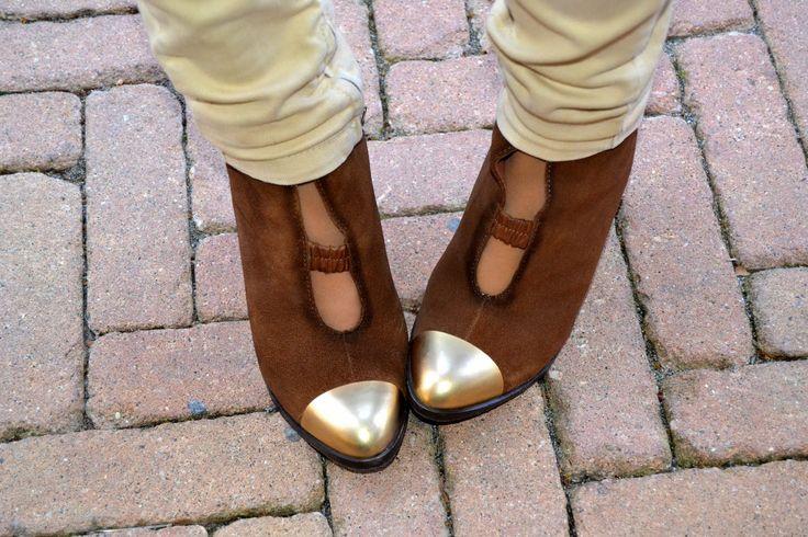 Gold details ~ Miista ~  #outfit #fashionblogger #fashiondetails #gold #boots #miista #sarenza