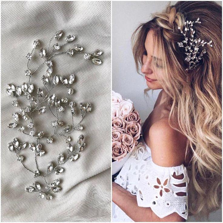 Веточка из стразов Swarovski Nicagloss.accessories-это новый стиль украшений , невесомых и изысканных⭐️ Каждое Украшение эксклюзивно и неповторимо , так как выполнено в ручную Очень легко крепятся и подвижны, не оттягивают волосы и к тому же очень модные ________________________________________________________________Для заказа просто напишите нам в Директ или Whatsapp 8967 132 81 58 . _______________________________________________________________#веточкадляволос #веточкавприческу ...
