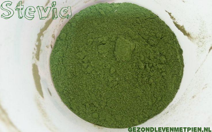 Stevia is populair als zoetstof. Onbewerkte groene stevia is een gezonde suikervervanger. Zelf groene stevia maken is eenvoudig en een gezond alternatief.