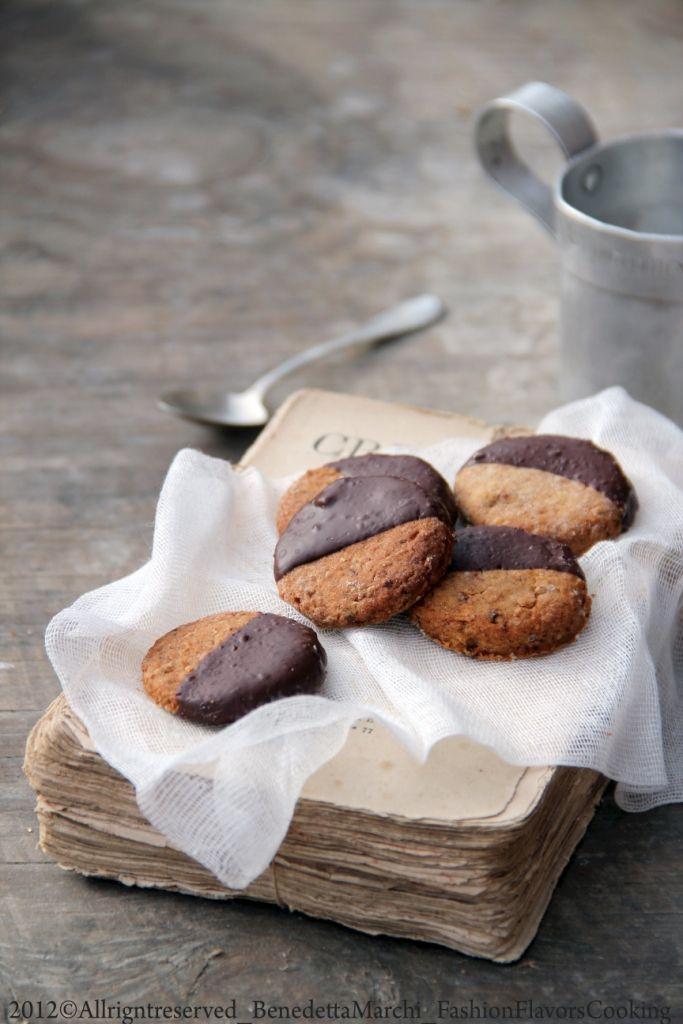 Biscotti vegani e glutenfree per un ritorno in punta di piedi - Chocolat Vegan Bisquits gluteenfree