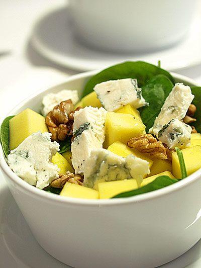 Sałatka z mango i młodych liści szpinaku