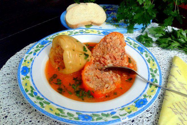 Retete Culinare - Ardei umpluti cu carne de porc