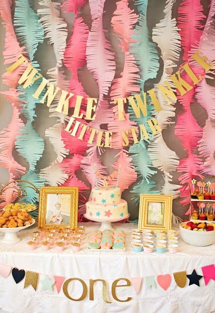 mira todas estas ideas para decorar una fiesta usando solamente papel crepu wuaooo