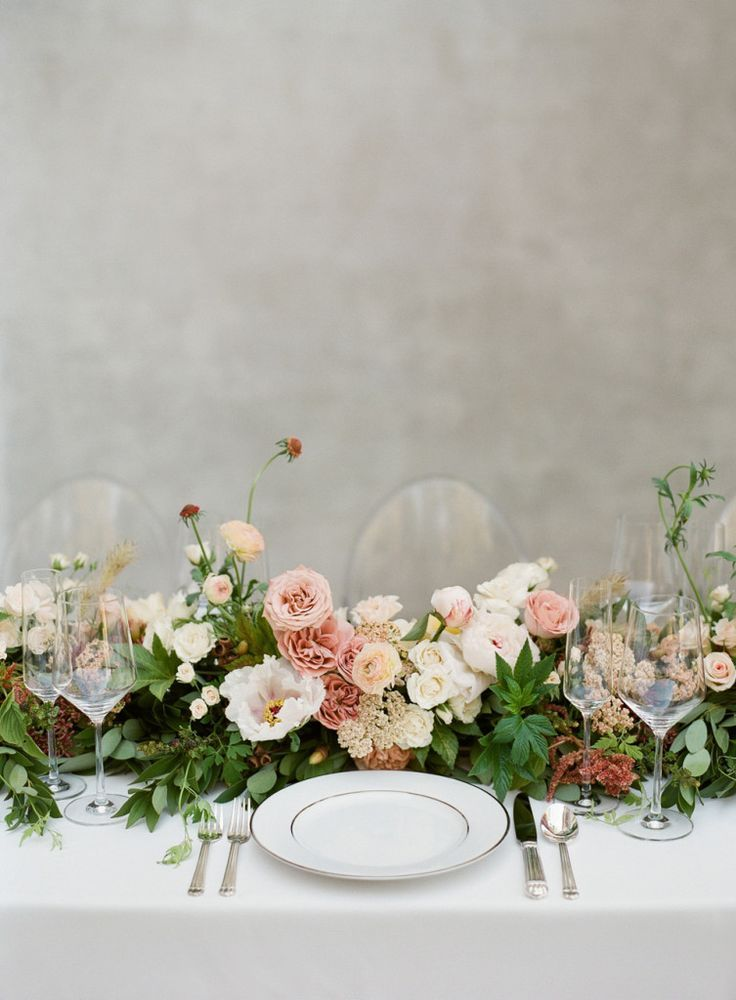 such a beautiful floral table garland. Pink, white and green blooms.