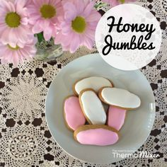 This Honey Jumbles recipe comes from the very first issue of The 4 Blades Magazine released November 2014. This is one of my most favourite creations so have