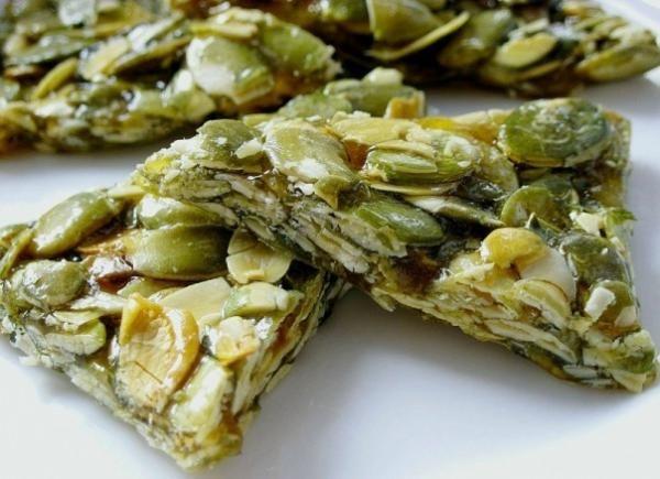Козинаки - конфеты из тыквенных семечек с медом