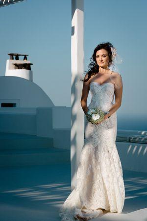 Chic wedding in Santorini See more here: http://www.love4wed.com/chic-elegant-santorini-wedding/  #islandweddingdress #santoriniweddings