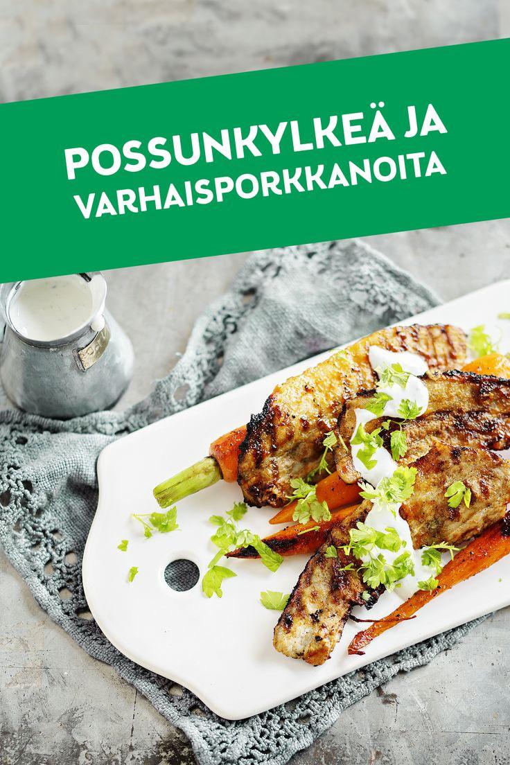 Maatiaispossun kylkiviipaleet toimivat erinomaisesti myös grillattuina, jolloin ne saavat herkullisen rapsakan pinnan. Tässä reseptissä sopivan makeaa vastapainoa lihalle tuovat karamellisoidut varhaisporkkanat. Maatiaispossun kylkiviipaleet sisältävät nimensä mukaisesti vain Snellmanin omaa maatiaispossua, jota kasvatetaan suomalaisilla perhetiloilla.