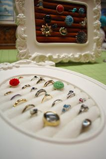 Make your own Jewelry Frame - Just roll up some felt and hot glue it onto cardboard and stick it in a frame.