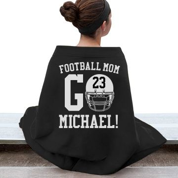 Trendy Warm Football Mom | Make a blanket to stay warm and trendy during those cool fall high school football games.