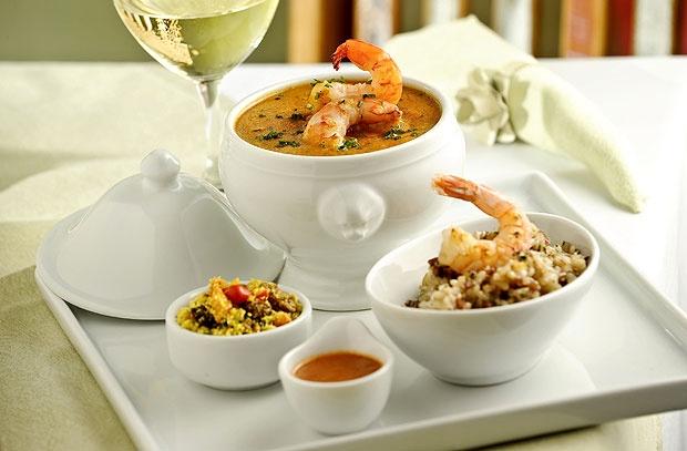 Jambalaya de camarão, prato que integra o menu do Dia dos Namorados no Manjue Organique (Foto: Tadeu Brunelli / Divulgação)