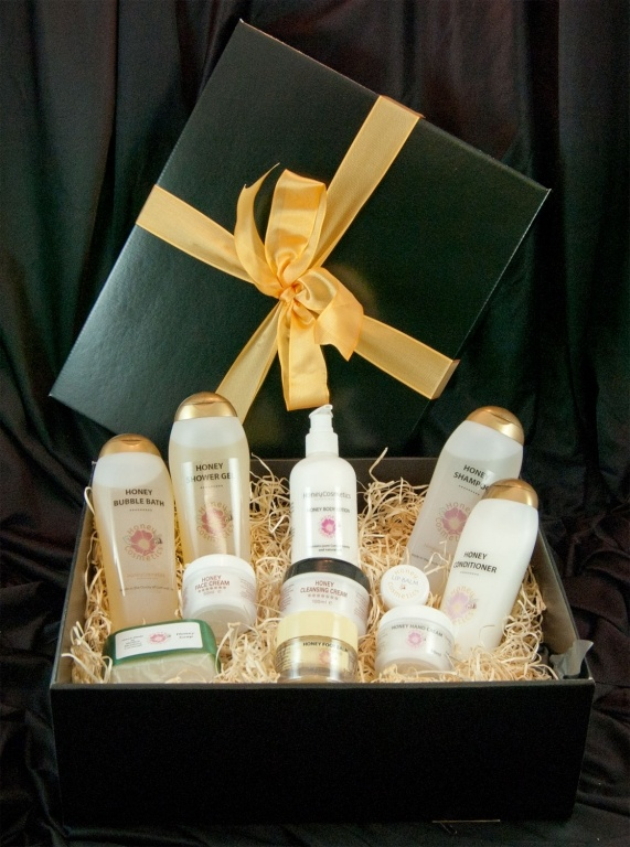 Simply Cornish Pamper Hamper - The perfect way to treat your loved one. £66.26.