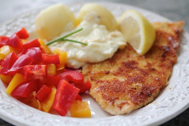 Tisdag idag och dagensförsta inlägg blir den här goda panerade fisk, med potatis & äggsås. Kan det bli mer husmanskost än så? Mums säger jag, och även barnen somriktigt högt betyg på både äggkräm& fisk- detta kommer vi laga flera gånger. Har man nu inte tillgång till någon fin spätta … Läs mer